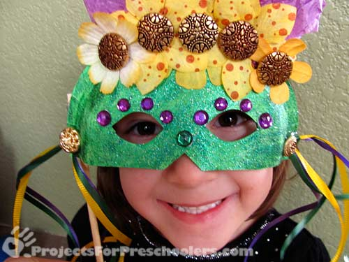 Mardi Gras mask in green