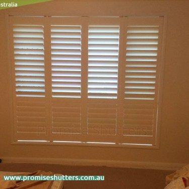 four panels of window shutters install without frame, pivot hinges