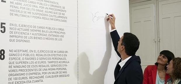 El contrato de Pedro Sánchez es una mala copia del ya firmado de