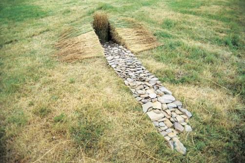 Tekstile Udtryk Inge Lindqvist: Land-art projekt, Friedrichshöhe, Thüringen 1995. Foto: Lars Pryds.