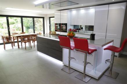 Polar White Kitchen with Miele appliances