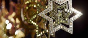 Montras do comércio local iluminadas em dezembro até ao Dia de Reis / Foto: Direitos Reservados