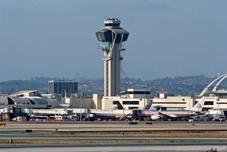 Control_tower_at_LAX_(6030868843)