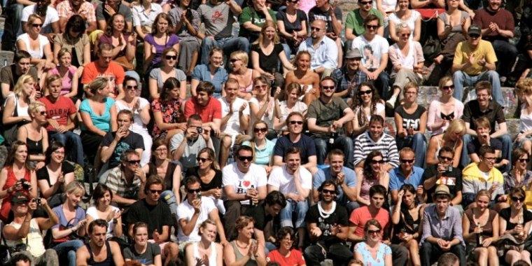 crowd_0