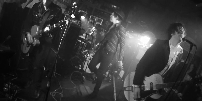 live-01