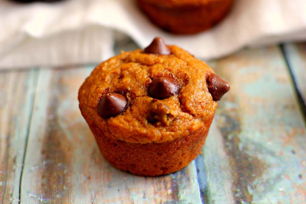 Whole Wheat Pumpkin Muffins - Pumpkin 'N Spice