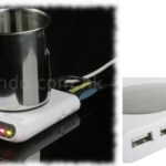 Mantén tu café caliente con este calentador/reloj/hub USB