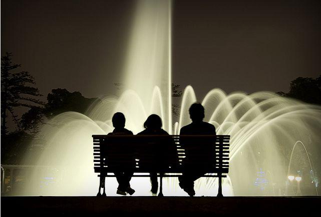 Tres en la fuente - Victor Mendivil