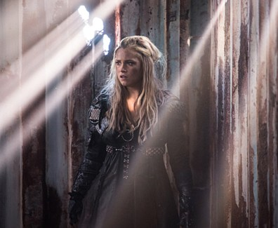 "The 100 -- ""Join Or Die"" -- Image HU313b_0054 -- Pictured: Eliza Taylor as Clarke -- Credit: Dean Buscher/The CW -- © 2016 The CW Network, LLC. All Rights Reserved"