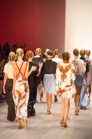 Anne Gorke Fashionshow - Mercedes Benz Fashionweek Berlin - Catwalk and Behind the Scenes - Fashionblog