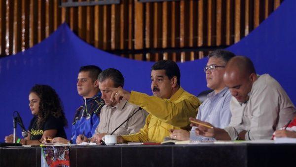 Venezuela Nicolas Maduro y Tareck El Aissami. Foto AVN. telesur.net