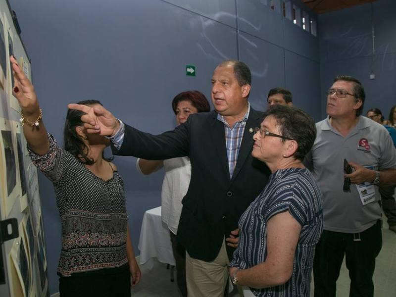 Presidente Solís gira Cartago. Foto Facebook