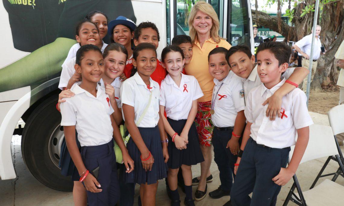 Embajadora EE.UU. Sharon Day, Tamarindo, Guanacaste. Foto cr.usembassy.gov