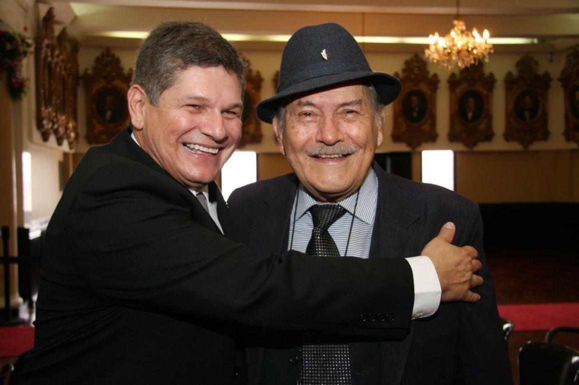 Jorge Luis Villanueva Badilla y su hijo el exdiputado Luis Gerardo Villanueva.Foto Facebook