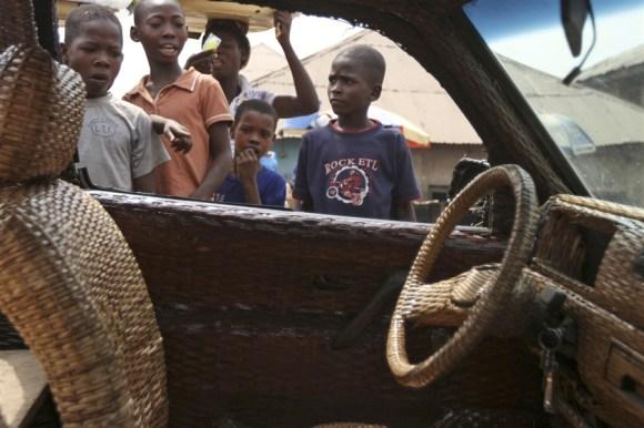 pb-130110-cane-car-nigeria-01.photoblog900