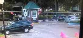 فيديو: شاحنة تحطم كشك حراسة داخل جامعة أمريكية
