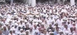 فيديو: إيقاف خطبة الجمعة في المسجد النبوي بسبب المصورين !