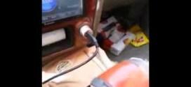 فيديو: شاب يشكى همومه للإذاعة عن ضرب زوجته له !