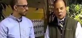 مشهد طريف لـ فراشه تضع بيضها في أذن مذيع تلفزيوني !!