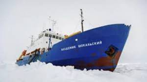 ship stuck in ice