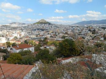 Vue du quartier Anafiotika sur la colline du Lycabette (Athènes)
