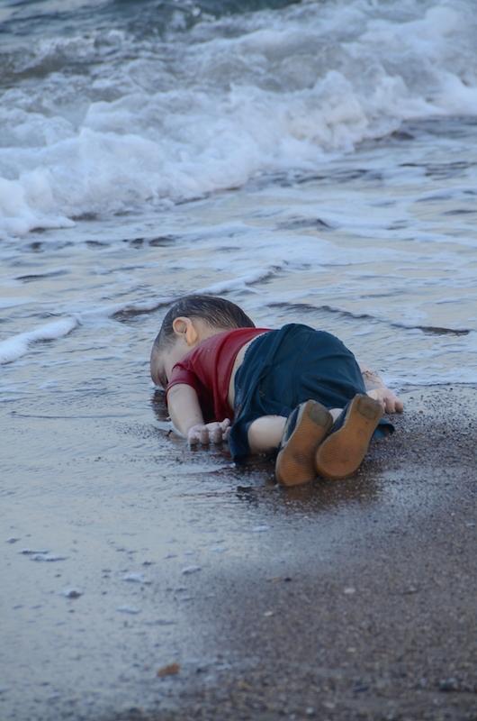 La foto de Aylan Kurdi, el niño sirio que murio en Turquia