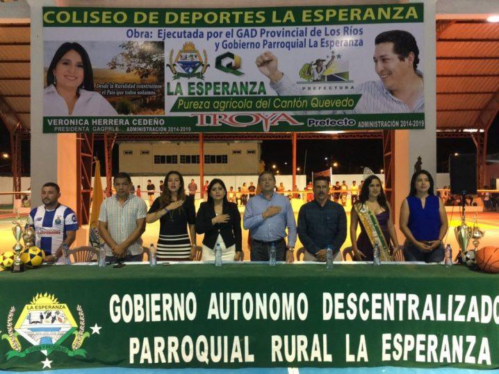 foto 4 - inauguran coliseo en La Esperanza