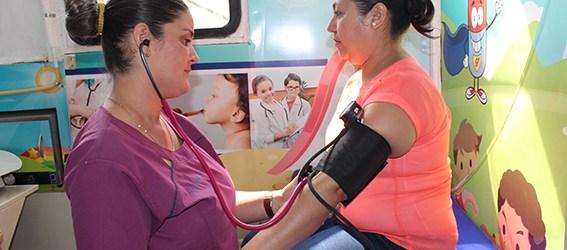 Clínica Móvil brinda atención médica preventiva en San Camilo