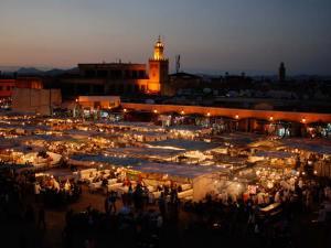 Place Jemaa el-Fna, la place la plus animée de Marrakech