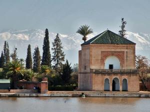 Jardin de la Menara aux pieds de l'Atlas près de Marrakech