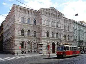 L'école de filles Vodickova, un des plus beaux édifices de la Nouvelle Ville