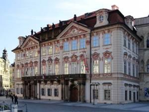 Le Palais Kinský qui abrite aujourd'hui un musée