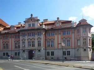 La mystérieuse Maison Faust près de la Place Charles