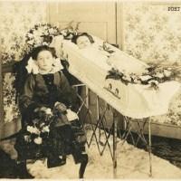 Photographies post-mortem, étrange pratique du XIXème siècle
