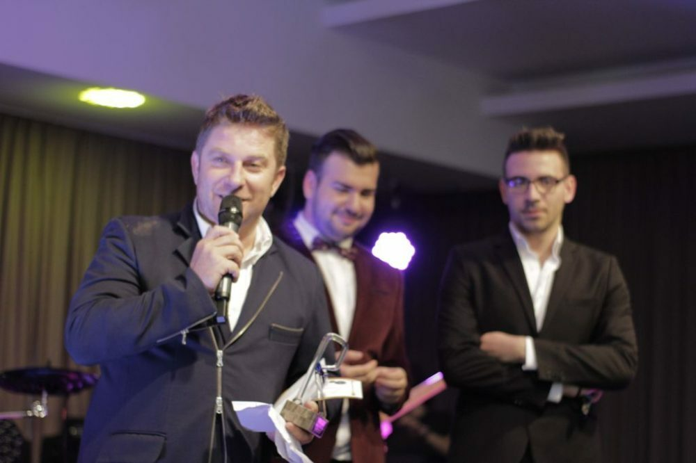 PAVEL BARTOS PRO TV PREMIILE RADAR DE MEDIA 2015