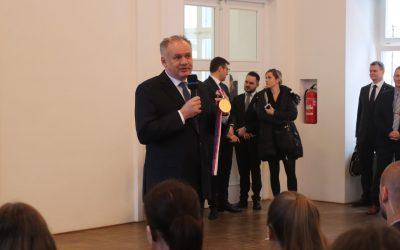 Oceněný Andrej Kiska na MU vychvaloval Univerzitu a burcoval k ochraně demokracie