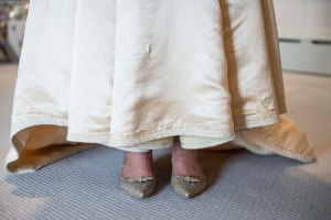 heirloom-wedding-dress-11th-bride-120-years-old-abigail-kingston-6