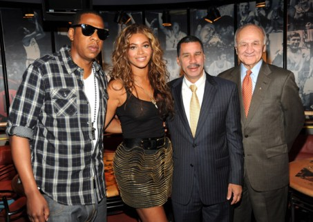 jay z beyonce radiofacts YIKES: Jay Z and Beyonce Underdressed for Event (pics)