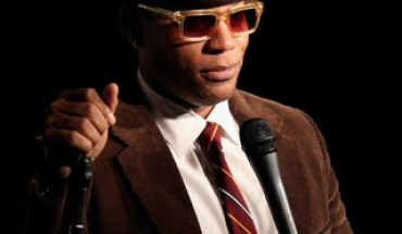 63010909keverix1122011112550AM LOOK: Its DL Hughley
