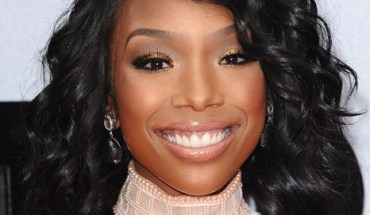 Brandy BET Awards 2013 e1377088958630 McDonalds 365Black Awards to Broadcast on Black Entertainment Television