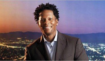 dl hughley KEVSUM: Blacks in Holiday Commercials, Arsenio Hall, DL Hughley, KTVW, Chicago Fines