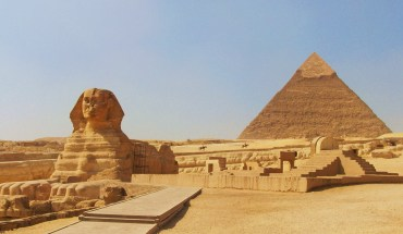 the sphinx at gizacairo in egypt with the pyramid of chephren khafre in the background Radio Facts Black History Trivia of the Day