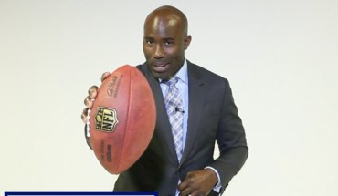 Book Terrell Davis for The Business of Football! (PRNewsFoto/Corporate Kickoff)