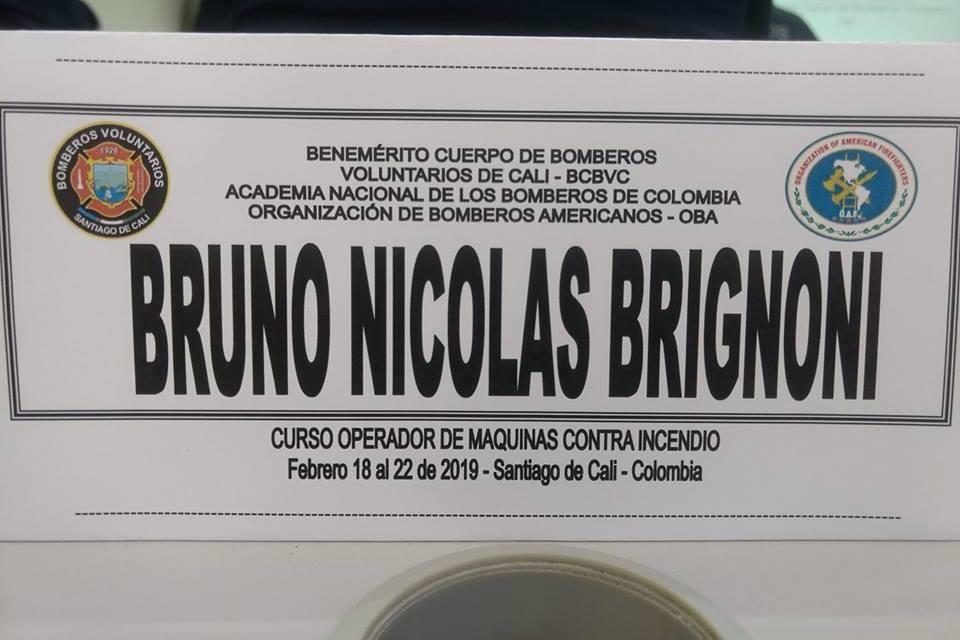 Bombero de Las Parejas se capacitó en Colombia