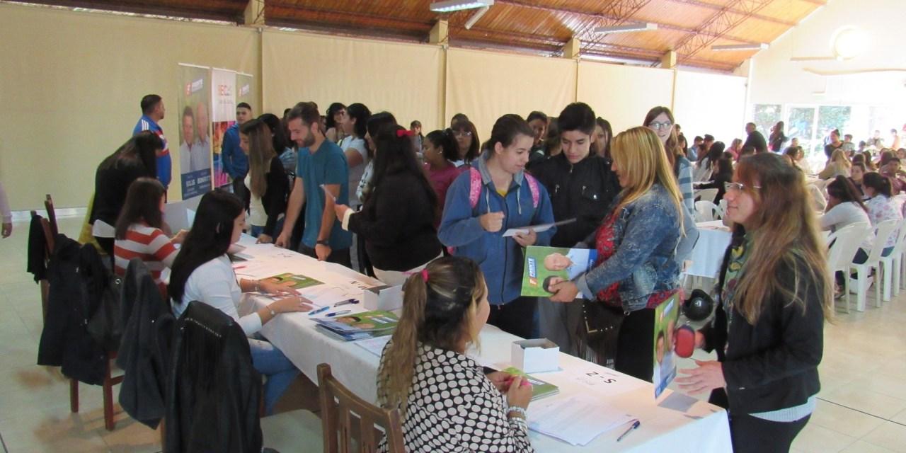 Adjudicaron las Becas Juan B. Justo a 200 jóvenes de Las Parejas