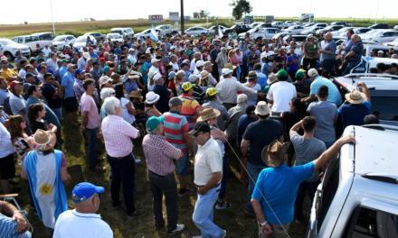Productores agropecuarios se reunieron en Armstrong y afirman que el gobierno «hace lo mismo que en 2008»