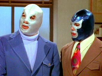 'El Santo' y 'Blue Demon', íconos de la lucha libre y 'super héroes mexicanos'.