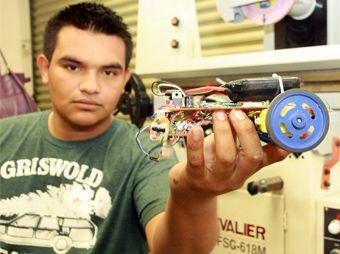 Robot creado por alumnos de la Unison gana concurso a nivel nacional