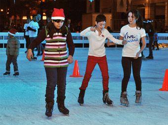 Inauguran la pista de hielo en la Plaza Zaragoza
