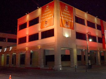 "Se ""pinta"" de Naranja el Palacio Municipal"
